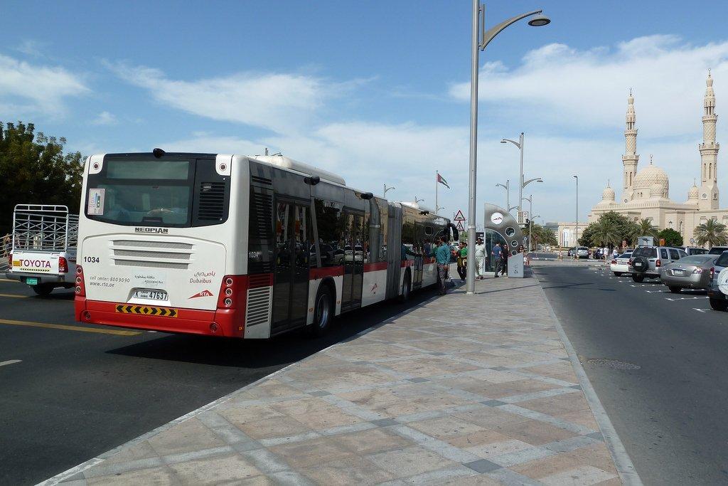 Автобус в Дубай