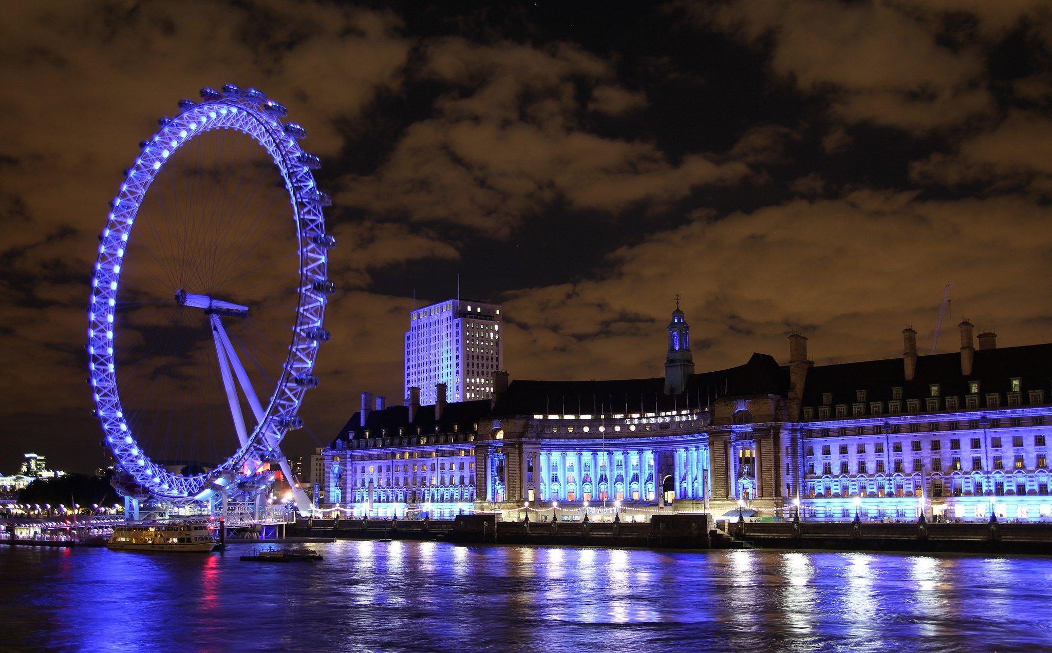 Лондонский глаз в ночное время суток