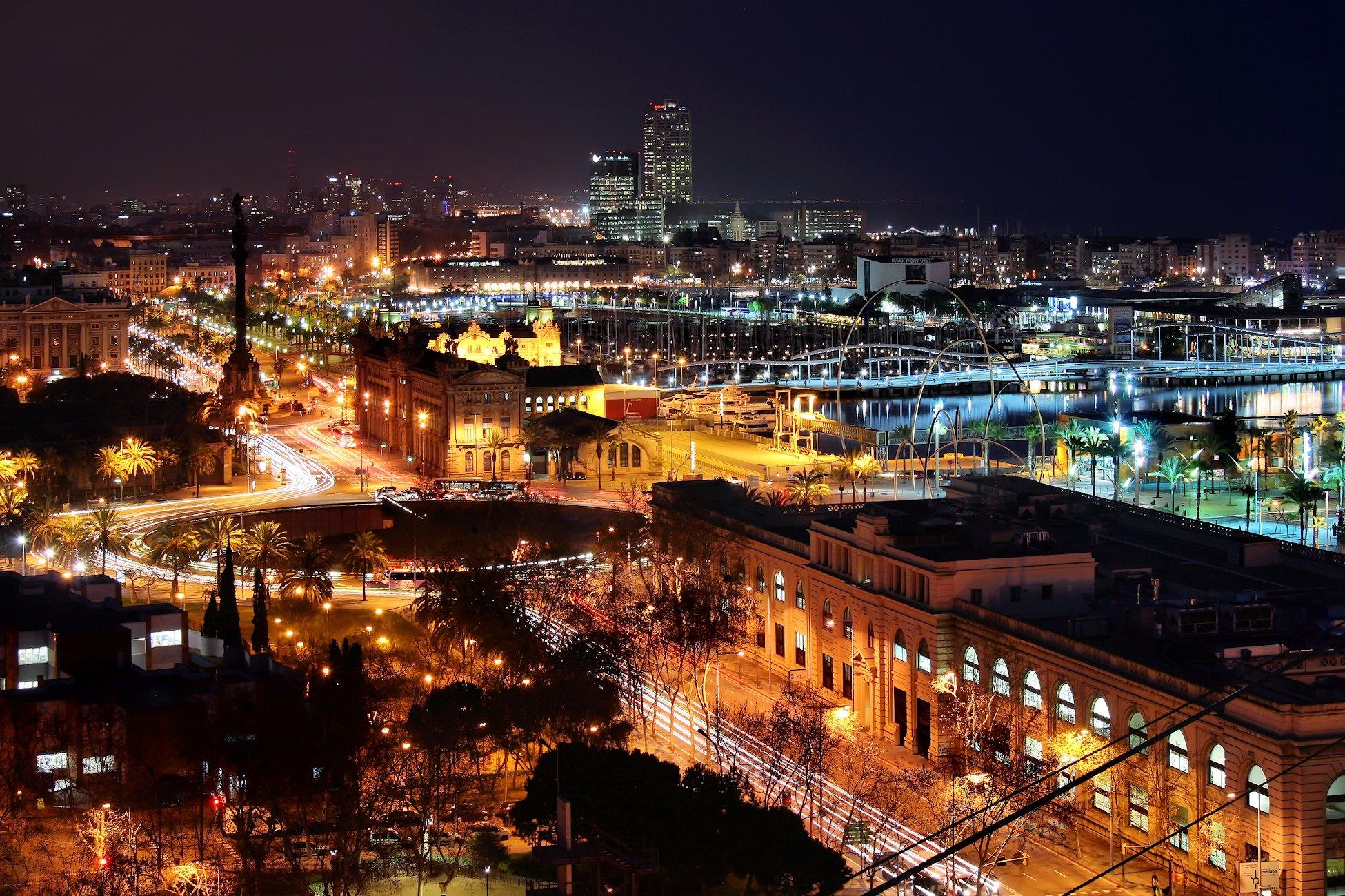 Ночная панорама Барселоны
