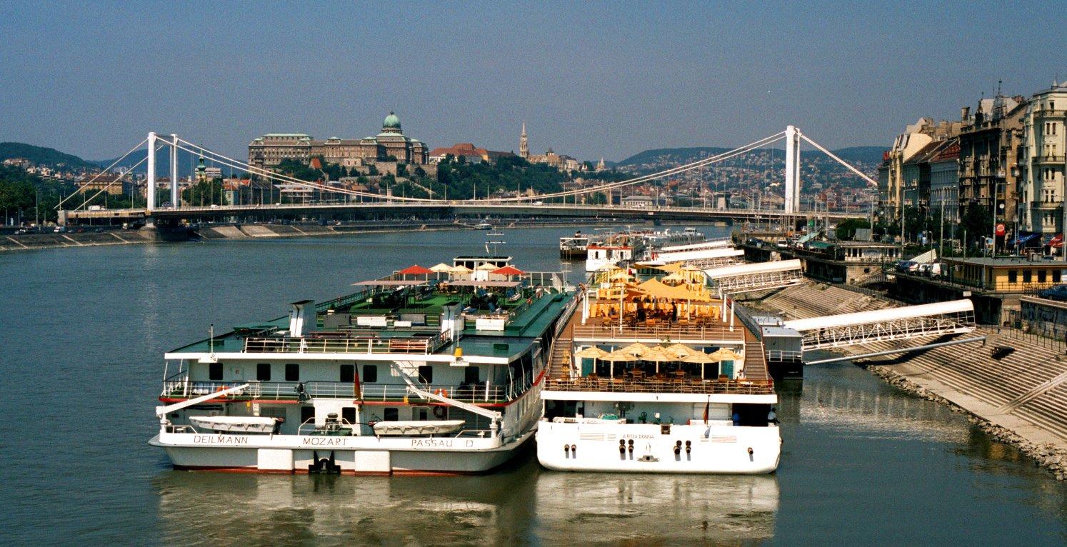 Река Дунай в Бадапеште