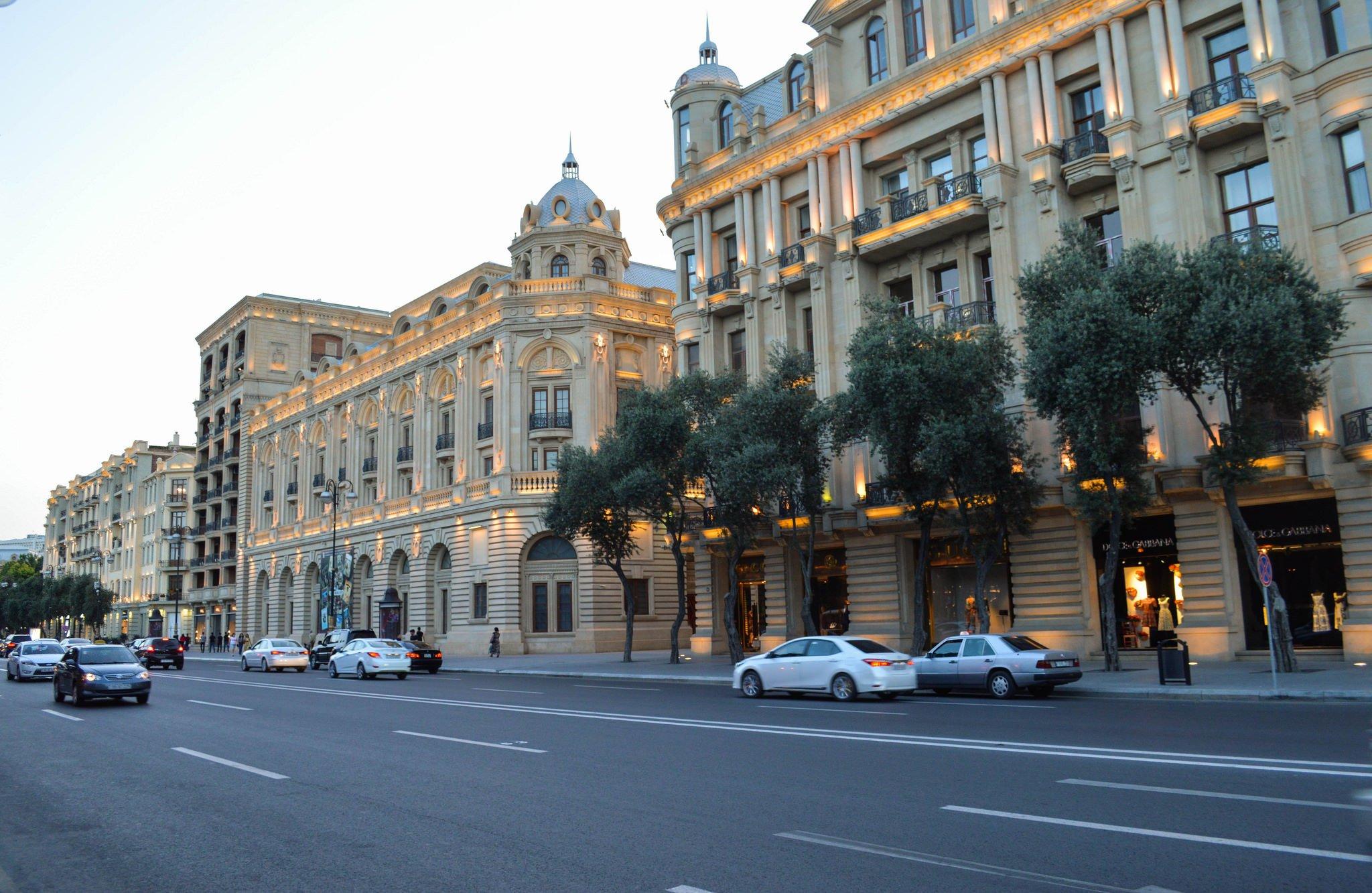 Улица Баку
