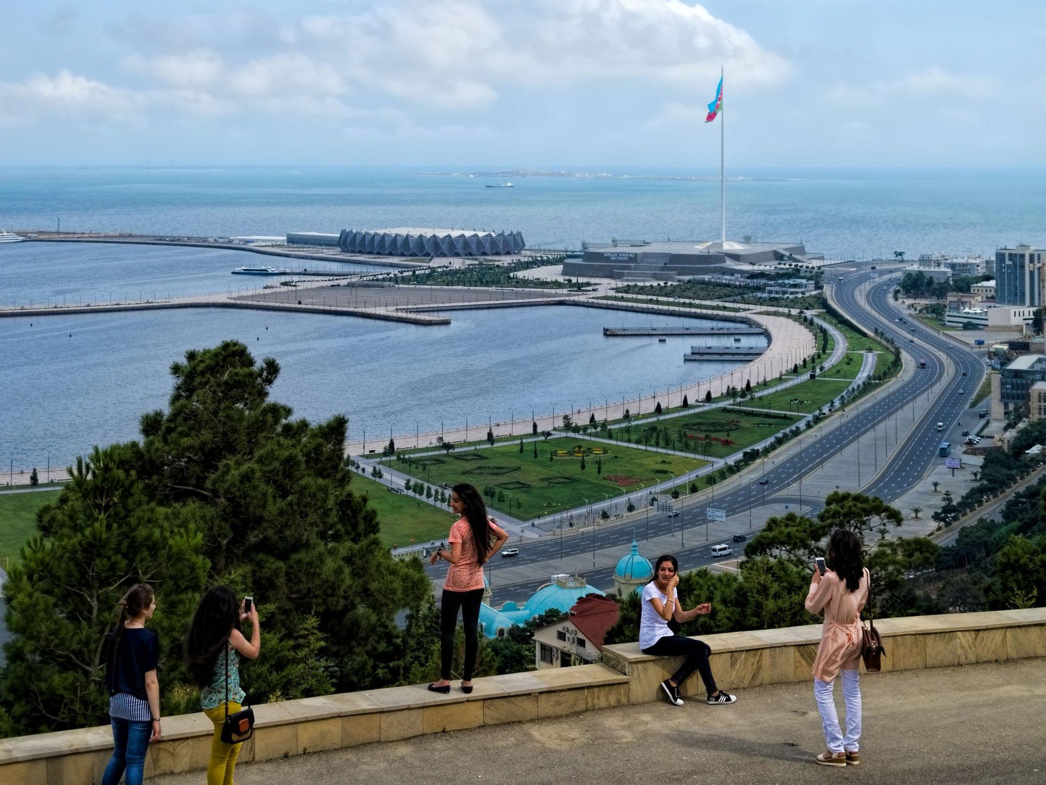 Море в Баку