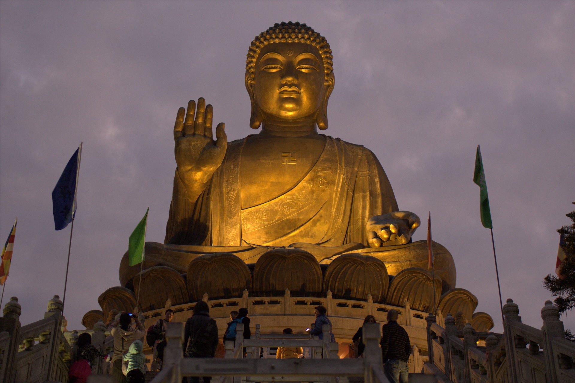 Ночная подсветка Будды
