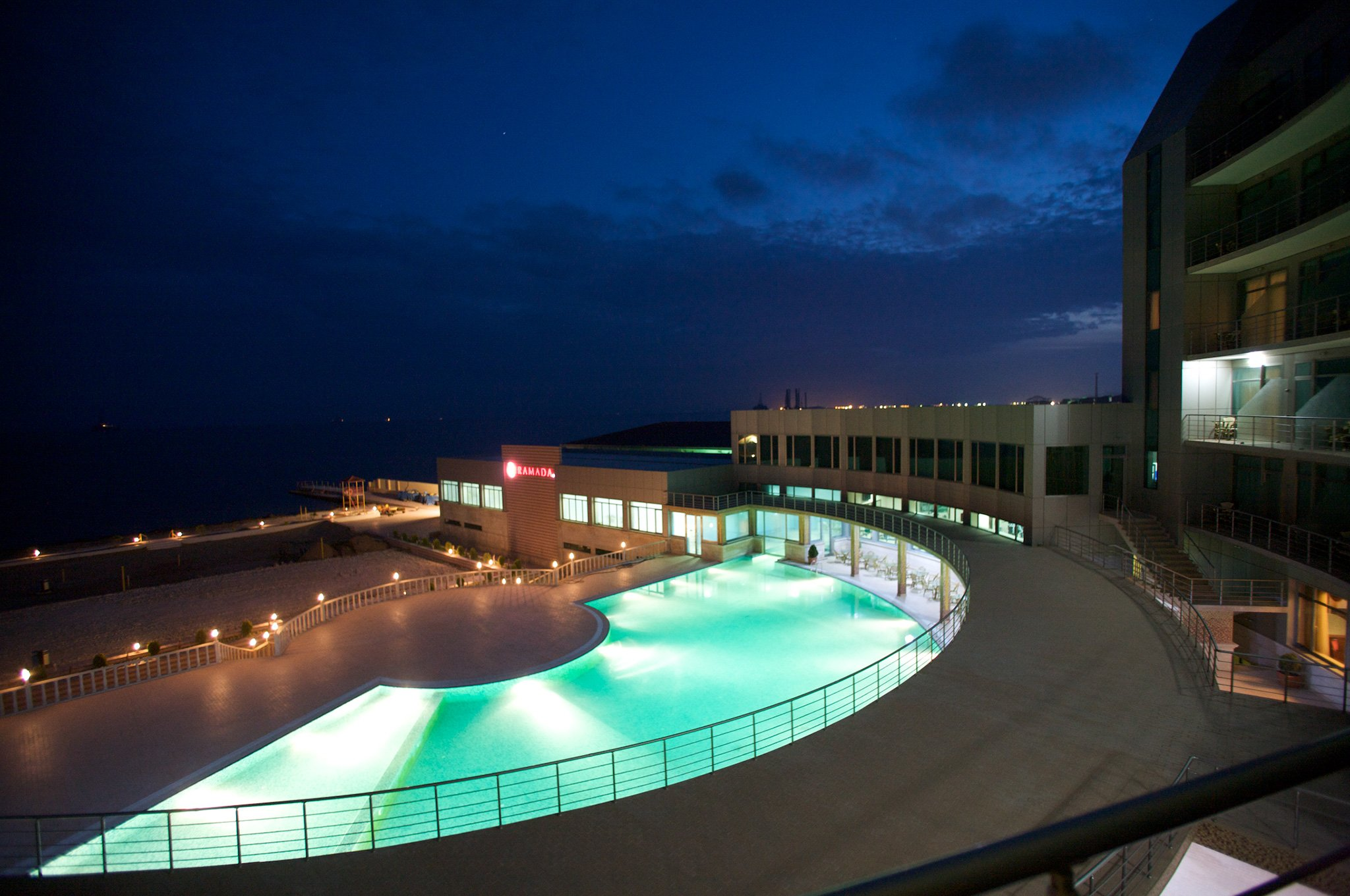 Отель на берегу моря