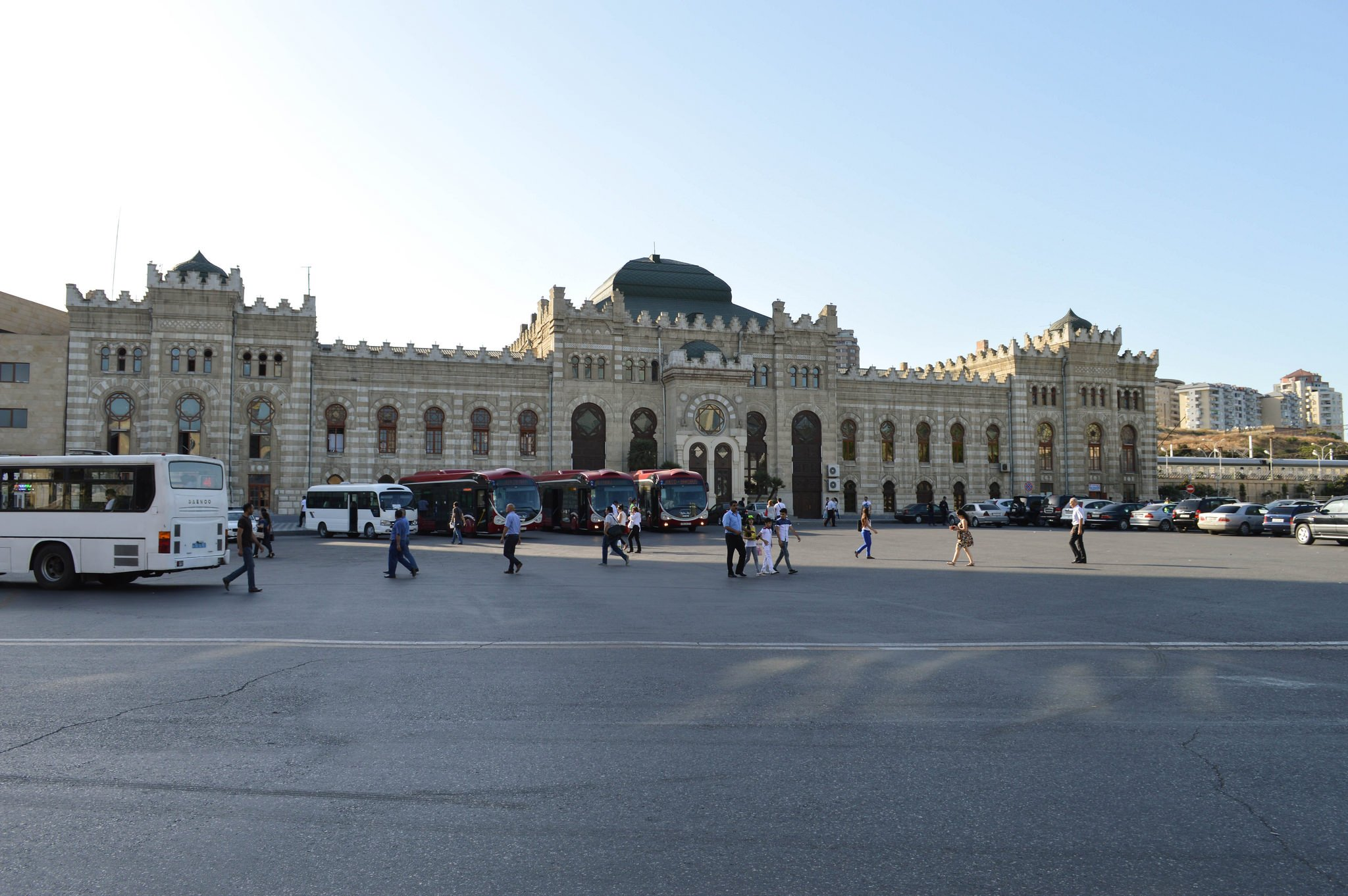 Центральный вокзал Баку