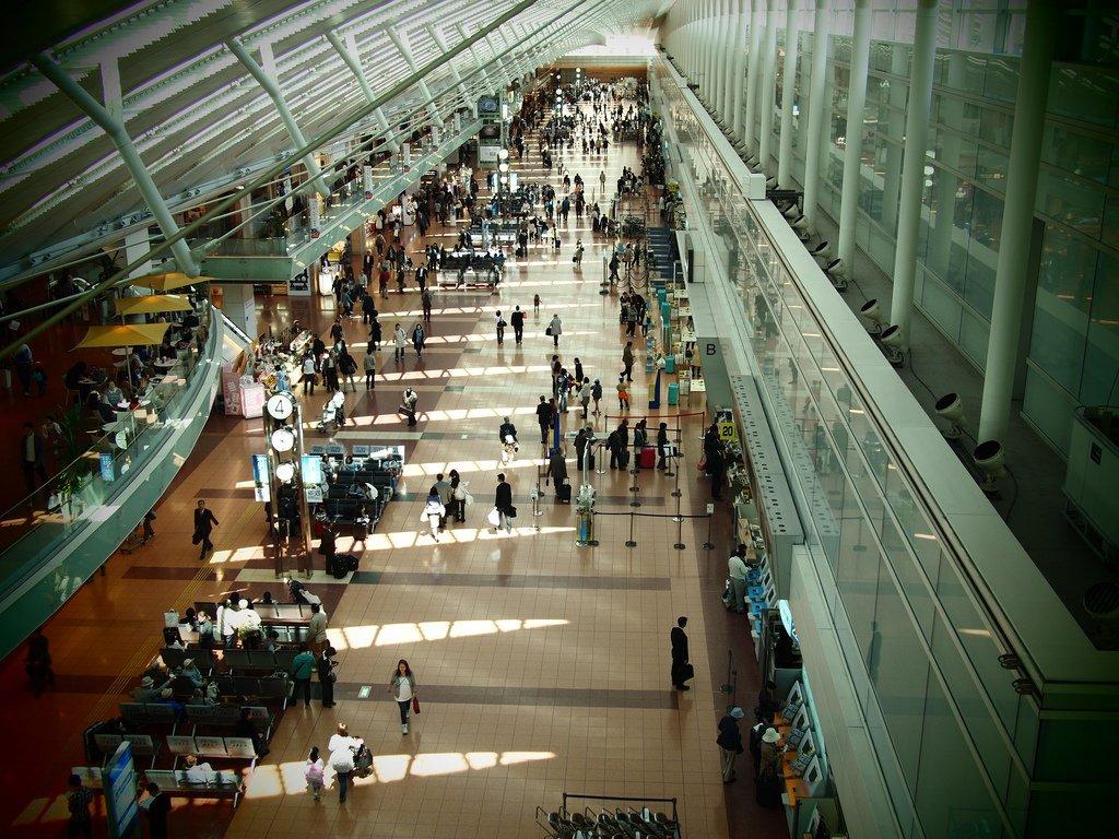 Зал аэровокзала