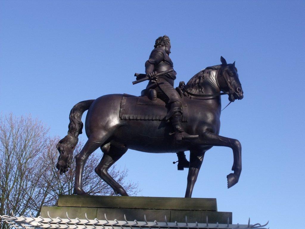 Памятник королю Карлу