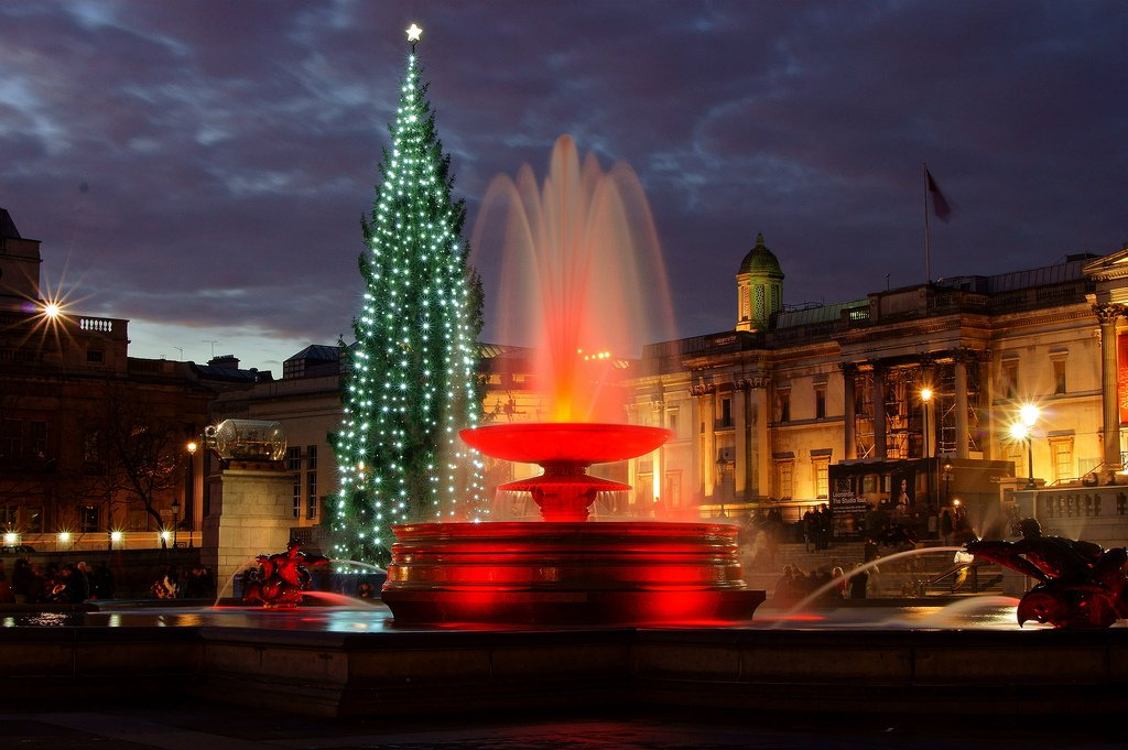 Площадь на Рождество