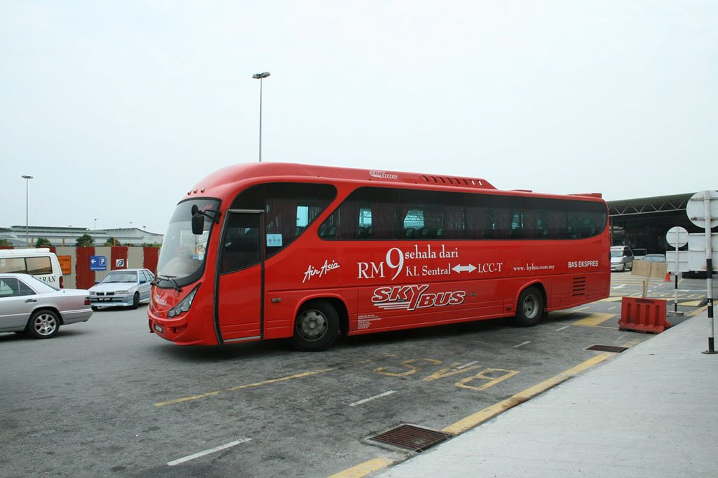 Автобус в Сингапур