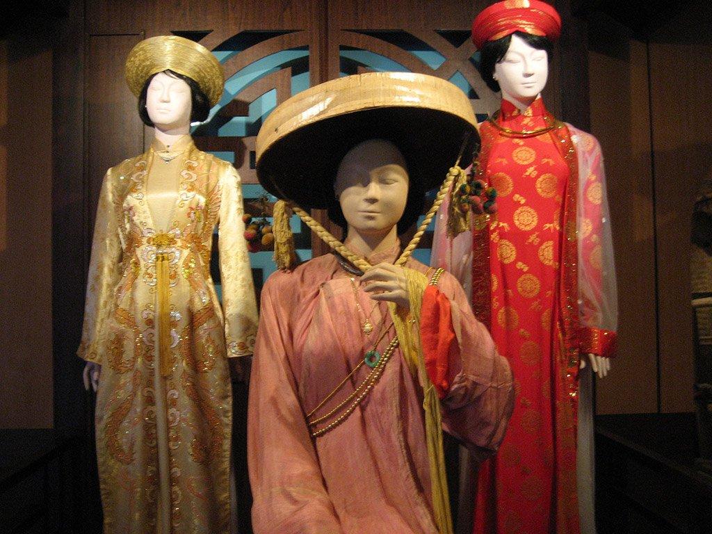 Экспонаты женского музея