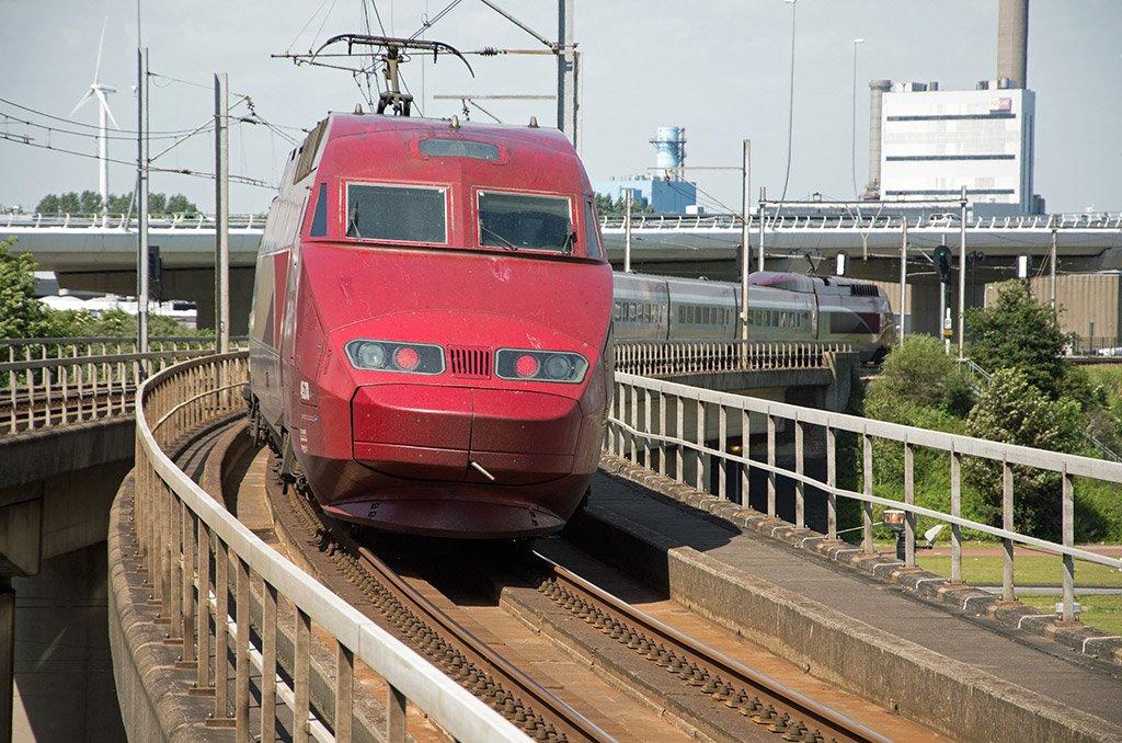 Поезд из Парижа