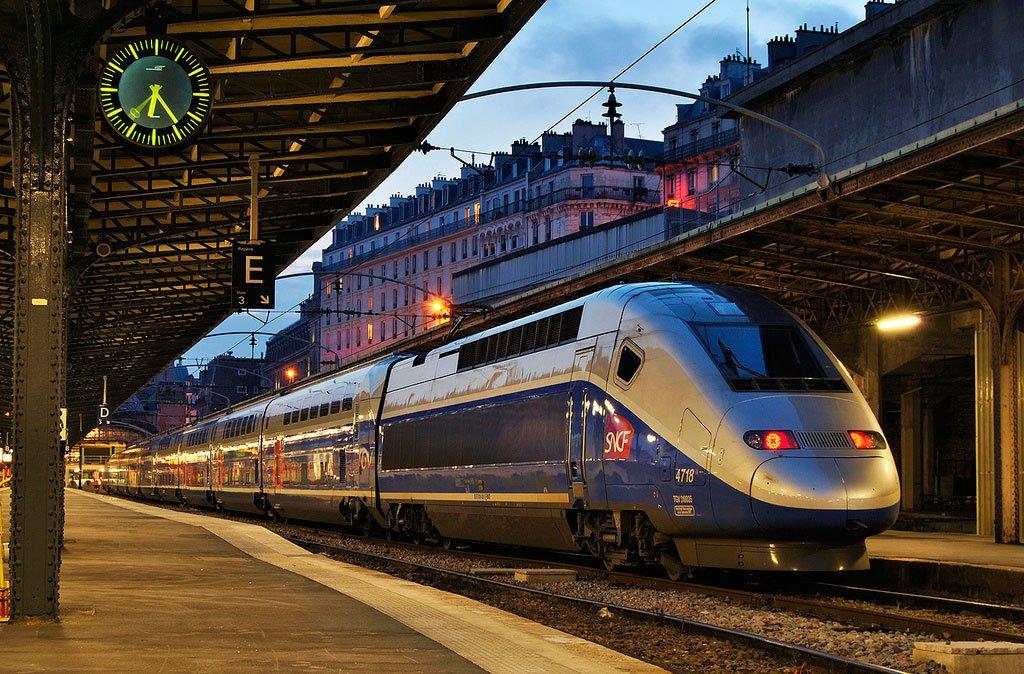 Скоростной поезд из барселоны