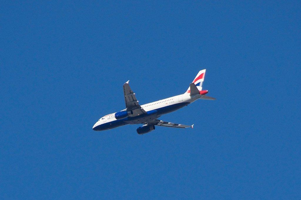 Самолет из Лондона