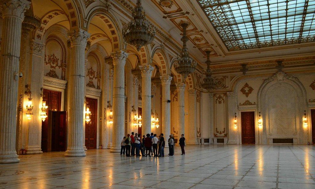 Вид дворца внутри