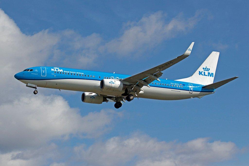 Самолет в Амстердам