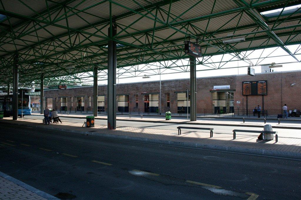 Автостанция в Милане