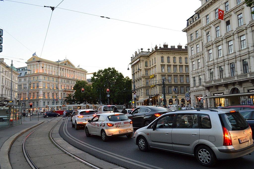 Машины в Вене