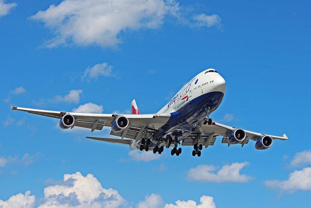 Боинг 747-400 в полете