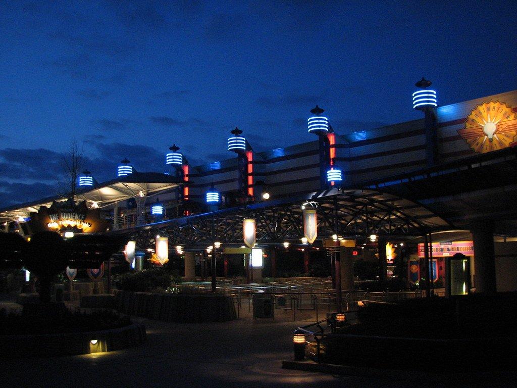 Диснейленд ночью