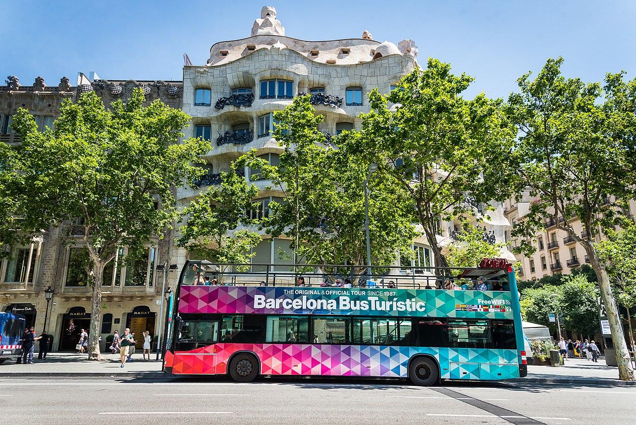 Барселона и ее автобусные туры