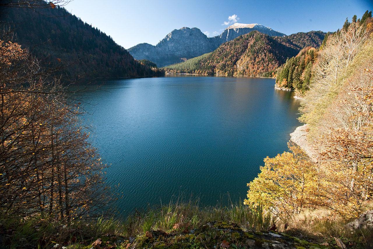 Фото озера Рица
