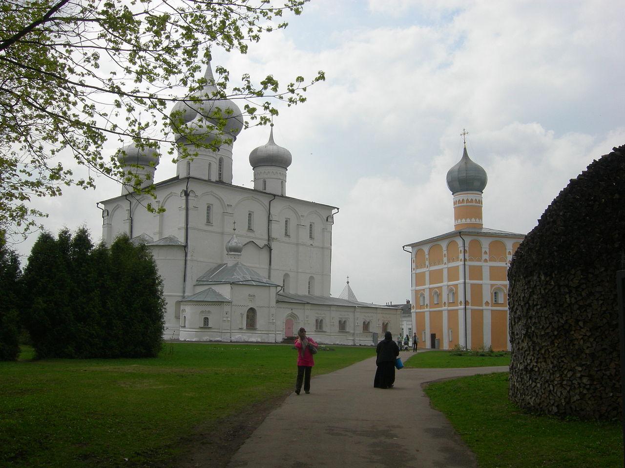 Варламо-Хутинский монастырь