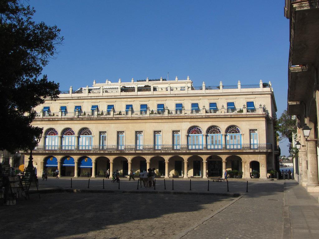 Отель на Кубе